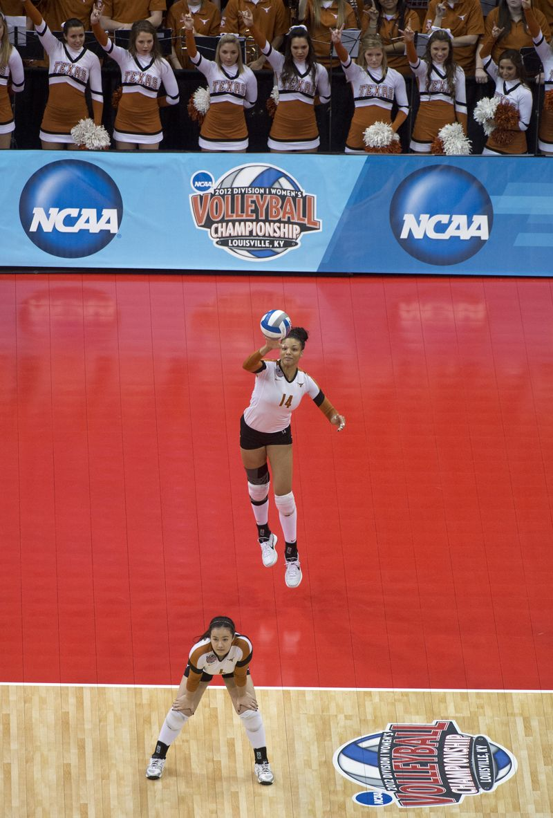 The Official Website Of The University Of Texas Athletics Volleyball Photos Women Volleyball Volleyball