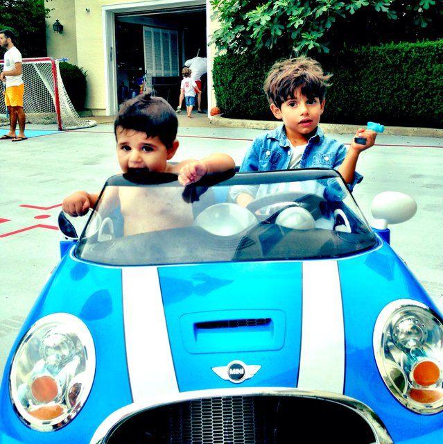 kid trax mini cooper 12v ride on car