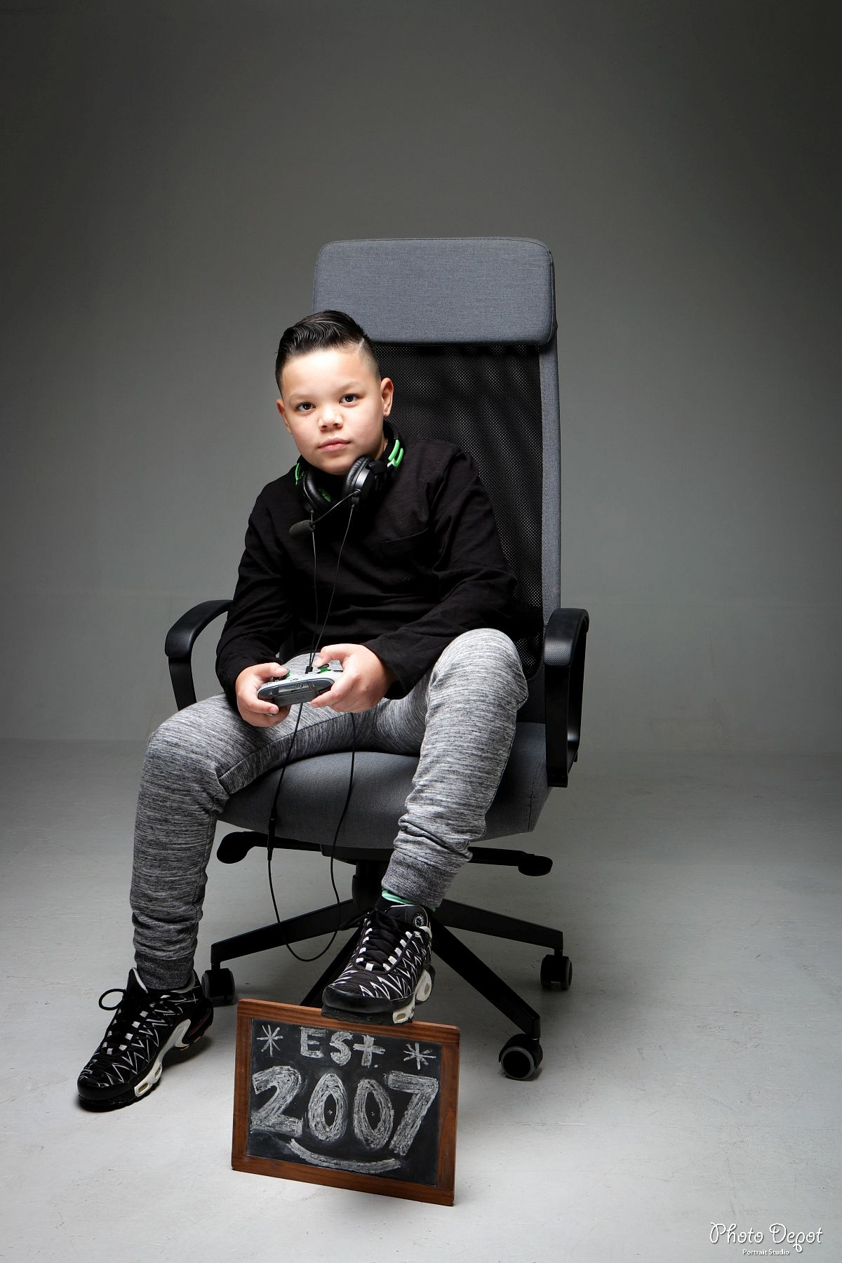 Boys 11 Year Old Picture Idea Est 2007 Gamer Boy Boy Birthday Pictures Senior Boy Photography Birthday Photoshoot Ideas Boys