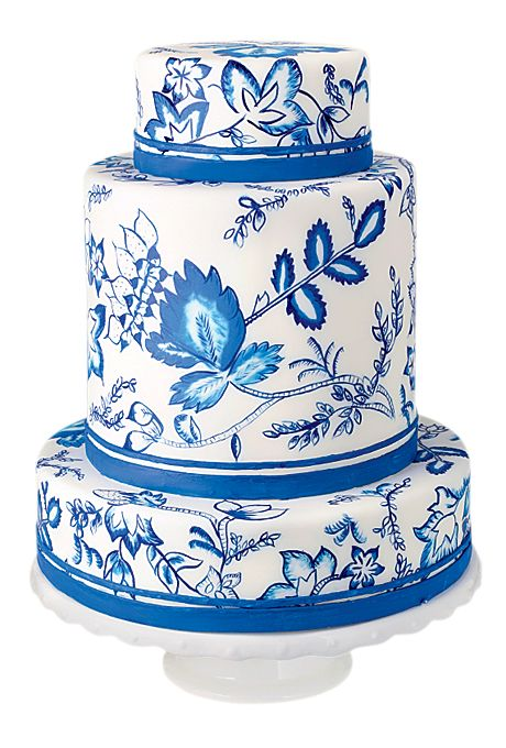 Brides.com: . Sugar Couture, Brooklyn, NY. Want to do elegant island preppy for your wedding cake? Pick a china pattern-inspired design—the blues and whites hit the right color tone, and the pattern is simply perfect.  China pattern-inspired wedding cake, $13 per slice (serves 85), Sugar Couture  See more blue wedding cakes.