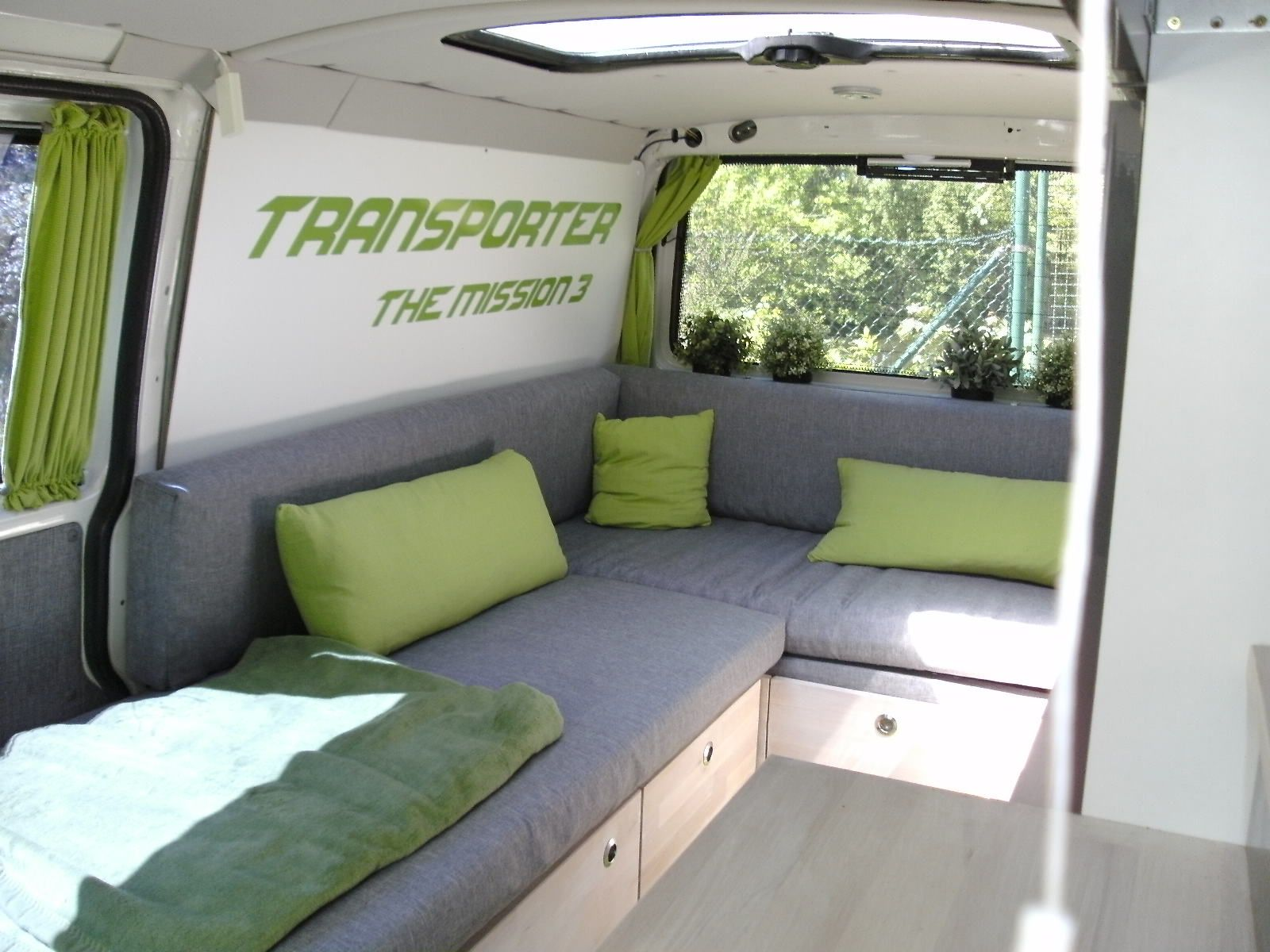 der ausbau wieder selfmade camper van ideas wohnm. Black Bedroom Furniture Sets. Home Design Ideas