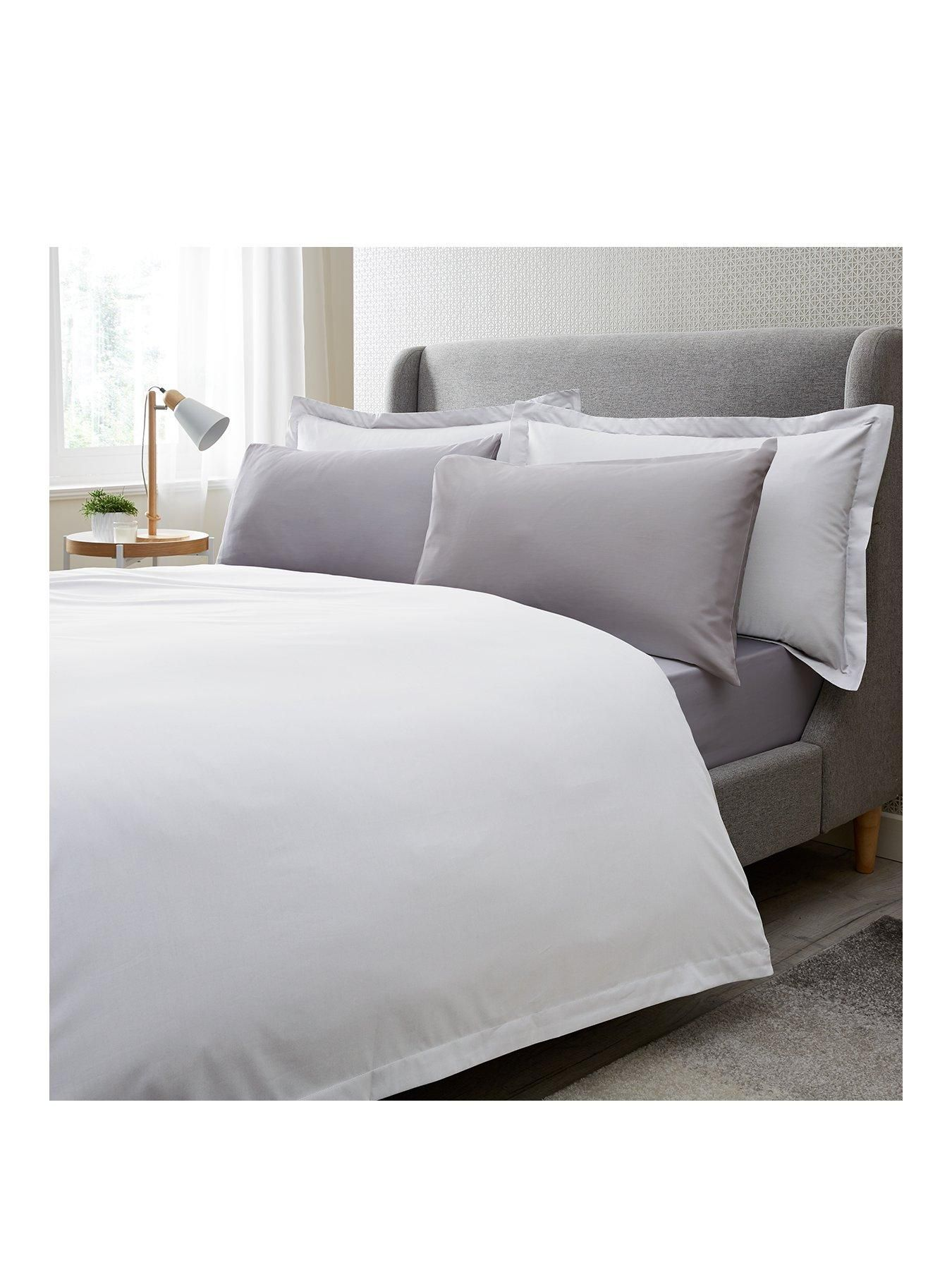 Hotel Collection 200 Thread Count Egyptian Cotton 32cm