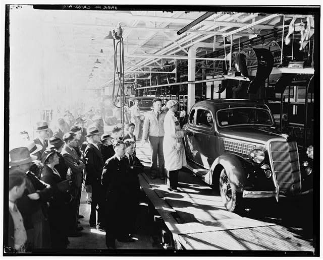 91 Neg No F 174A Apr 24 1936 INTERIOR ASSEMBLY BUILDING FINISHED CARS AT THE END OF LINE