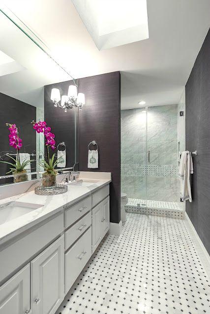 Eleven Stunning Bathroom Transformations Guest Bathroom Remodel Small Bathroom With Tub Bathrooms Remodel