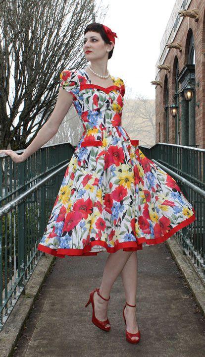 Tia Dress Sewing Pattern by Sew Chic Pattern Company | Mohnblume