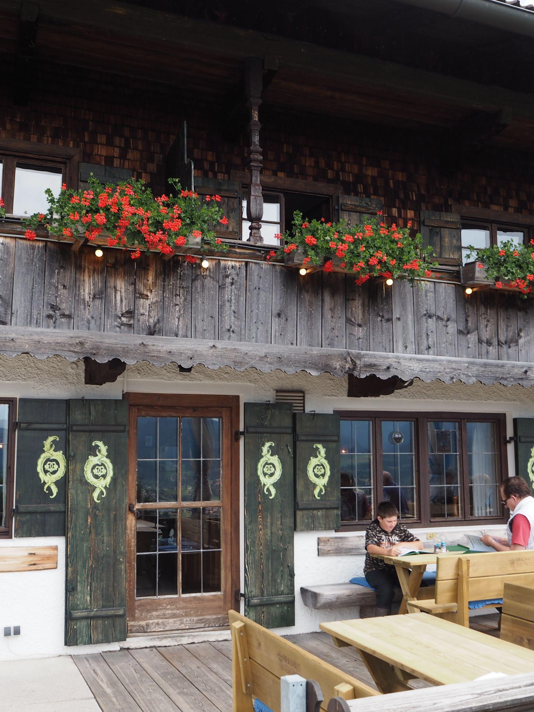 der berggasthof lieberhof am tegernsee so sch n bayrisch kofferfisch tegernsee chiemsee. Black Bedroom Furniture Sets. Home Design Ideas