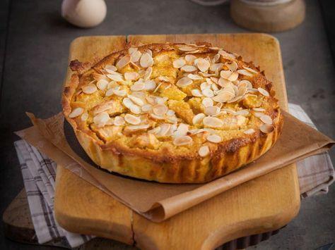 Découvrez la recette Tarte normande aux pommes et aux amandes sur cuisineactuelle.fr.