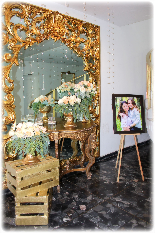 Bat Mitzvah!!! Arco de flores, centros de mesa, recepción. Todo para decorar tus eventos!! www.facebook.com/pmasideco