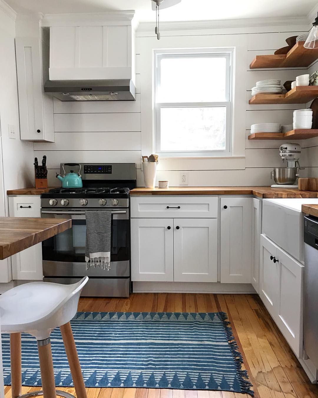 Light And Airy Modern Farmhouse Kitchen With Butcher Block Countertops And Shiplap B Modern Farmhouse Kitchens Butcher Block Countertops Kitchen Kitchen Layout