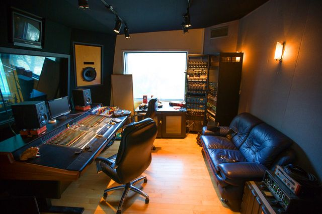 Inside The Underground World Of La S Home Recording Studios