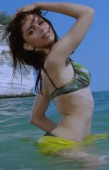 Deepika Padukone Bikini Song