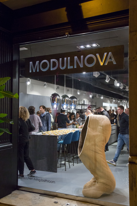 Épinglé par MODULNOVA sur Showroom MODULNOVA - Barcellona | Pinterest