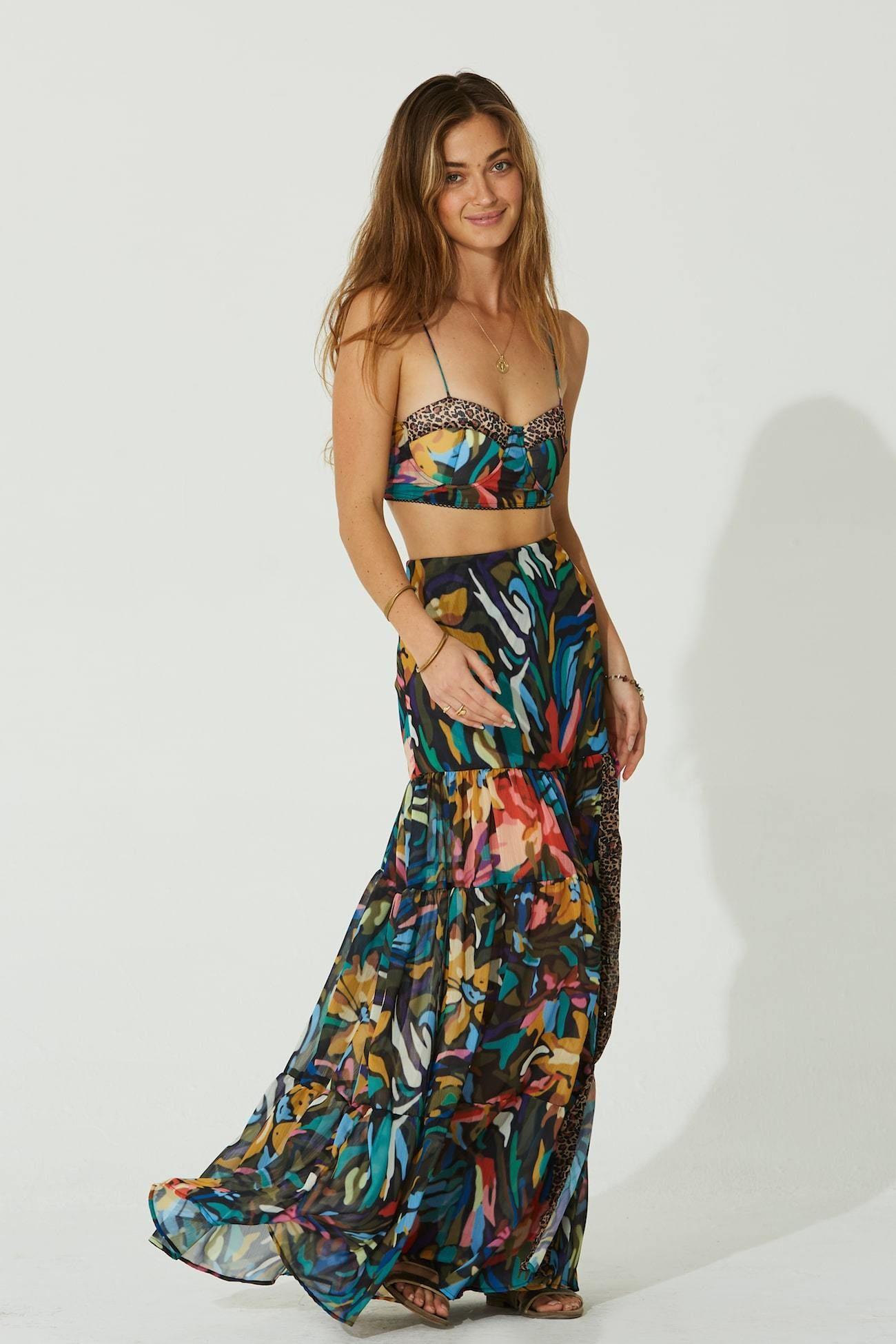 Danara Maxi Skirt In 2021 Boho Chic Style Outfits Maxi Skirt Curvy Boho [ 1950 x 1300 Pixel ]