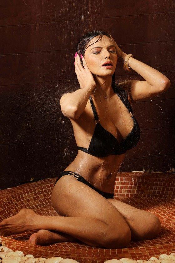 Porno Bikini Libbi Gorr  naked (56 photos), Instagram, cleavage