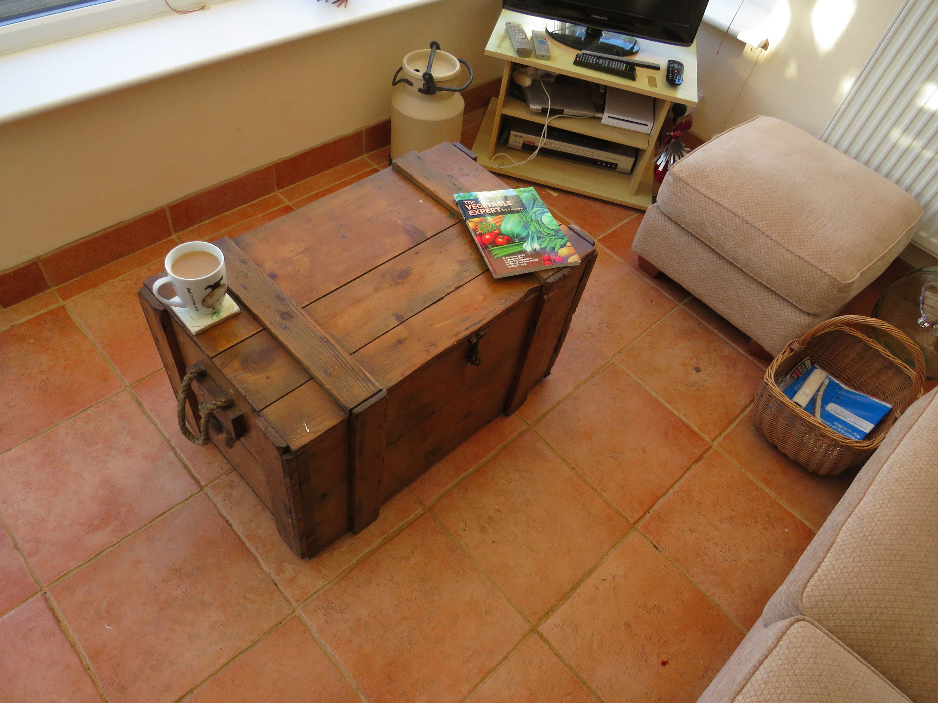Coffee Table Toy Chest.Large Wooden Pine Storage Chest Trunk With Rope Side Handles Great