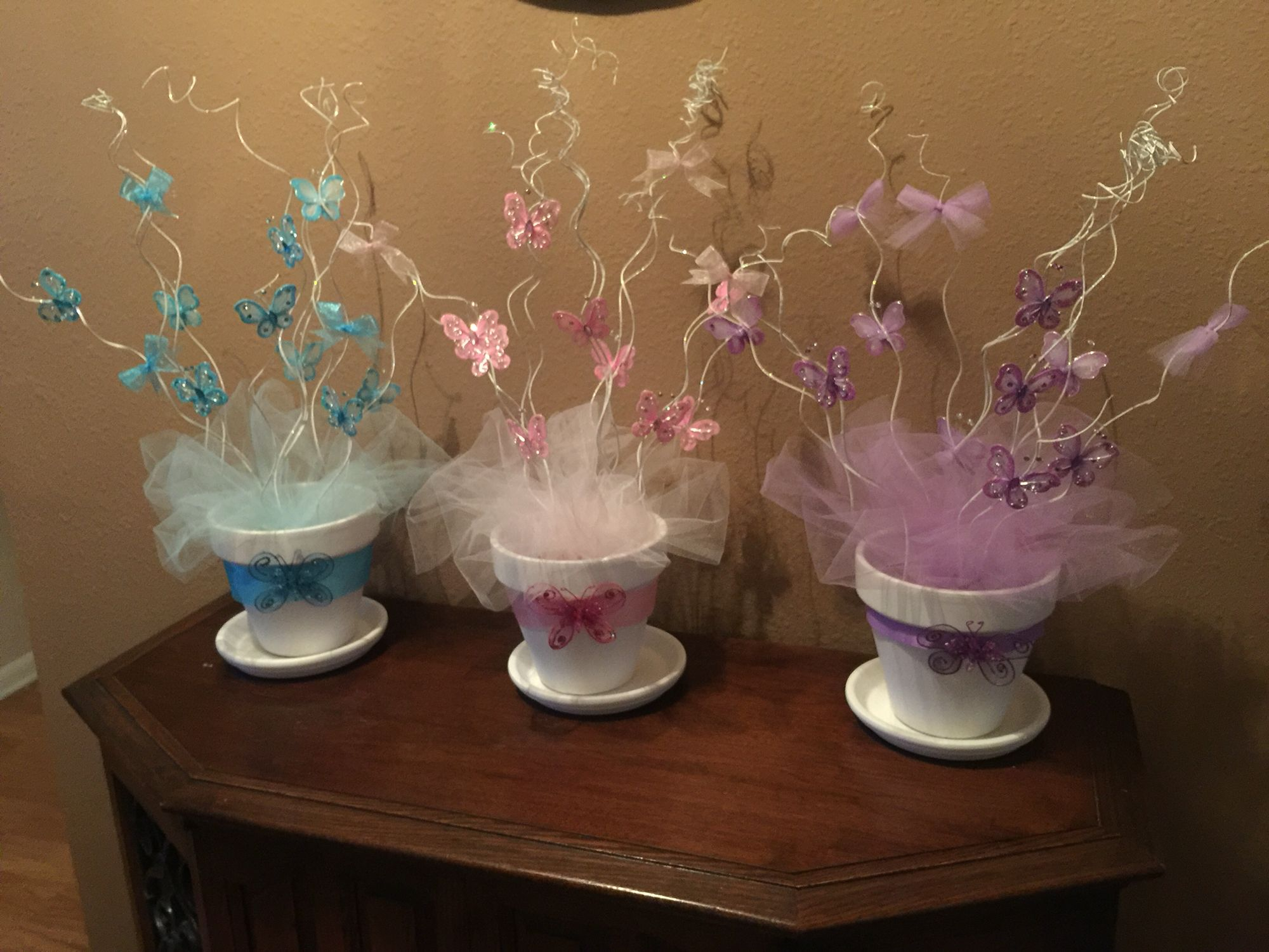 Butterfly centerpieces prestn centerpieces pinterest for Baby shower decoration butterfly