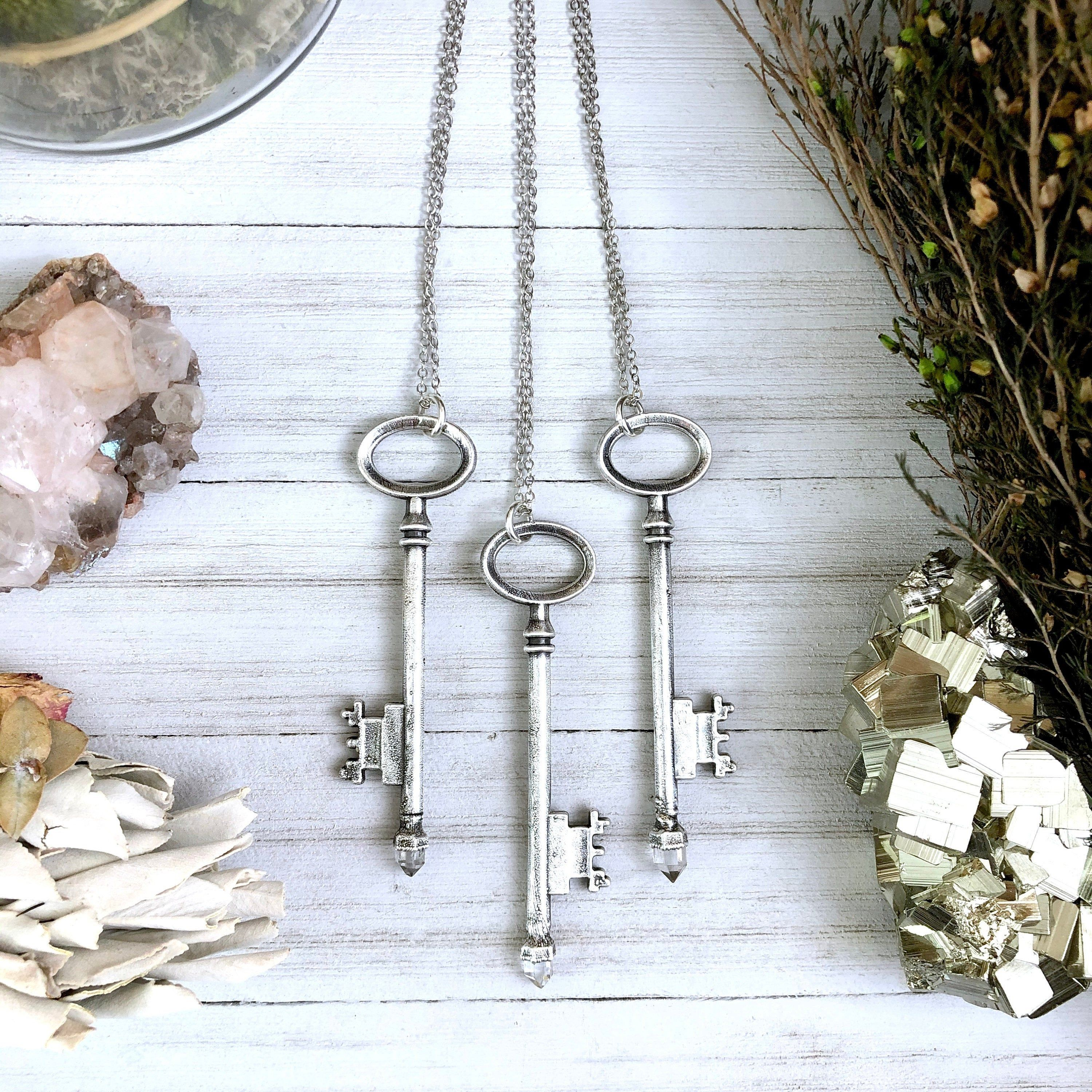 Herkimer Diamond Necklace Raw Quartz Necklace / Vintage Key Necklace Silver Skeleton Key Necklace / Raw Crystal Jewelry / Gemstone Jewelry #quartznecklace