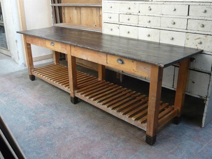 Un vecchio banco da lavoro tavoli da lavoro pinterest - Tavolo lavoro cucina ...