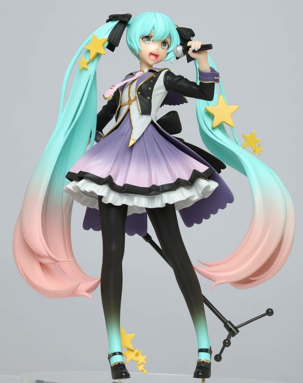 figure blog Anime figurines, Anime merchandise, Anime