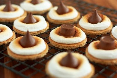 S'mores Bites Ingredients 6 graham cracker sheets*, or 12