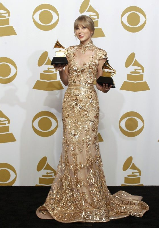 Pin By Maritza Eulalia Coss Urbiina On Style C Taylor Swift 2012 Taylor Swift Style Grammy Dresses