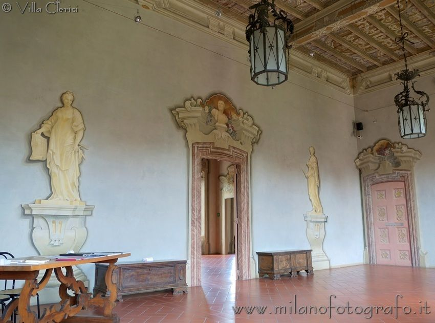 One of the room at the first floor in Villa Clerici in Niguarda in Milan (Italy). Visit the website for other pictures and info!