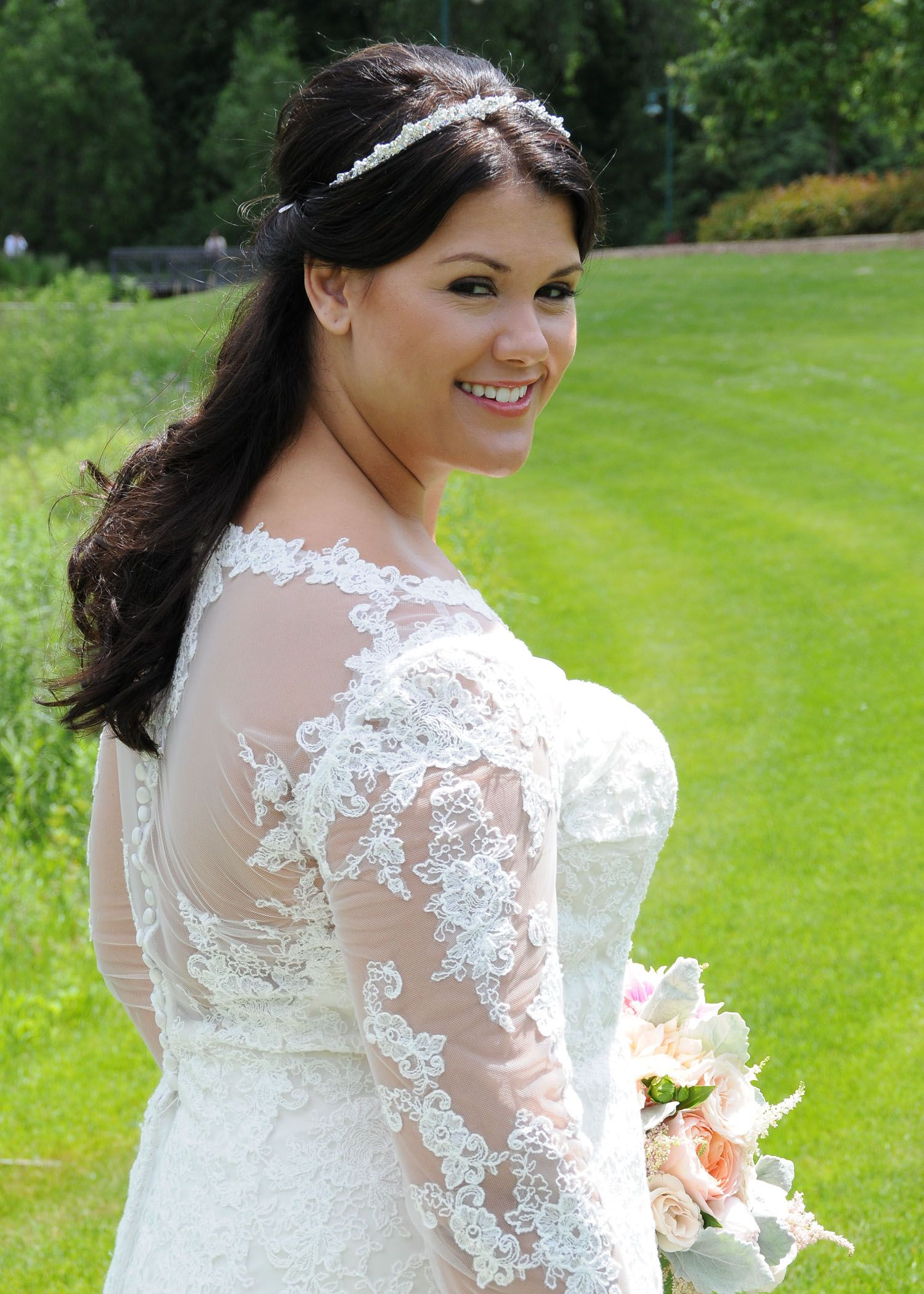 Plus size wedding gown, Curvy Brides, Luxe Bridal, Curvy ...