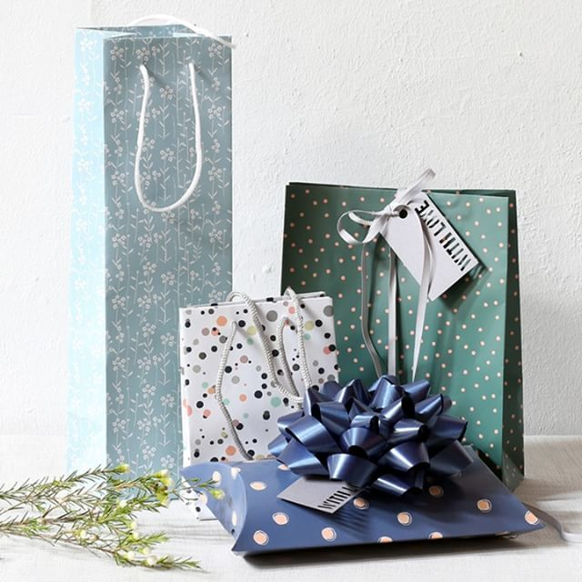 Aesthetic gift bags for lovely gifts. Several designs ...