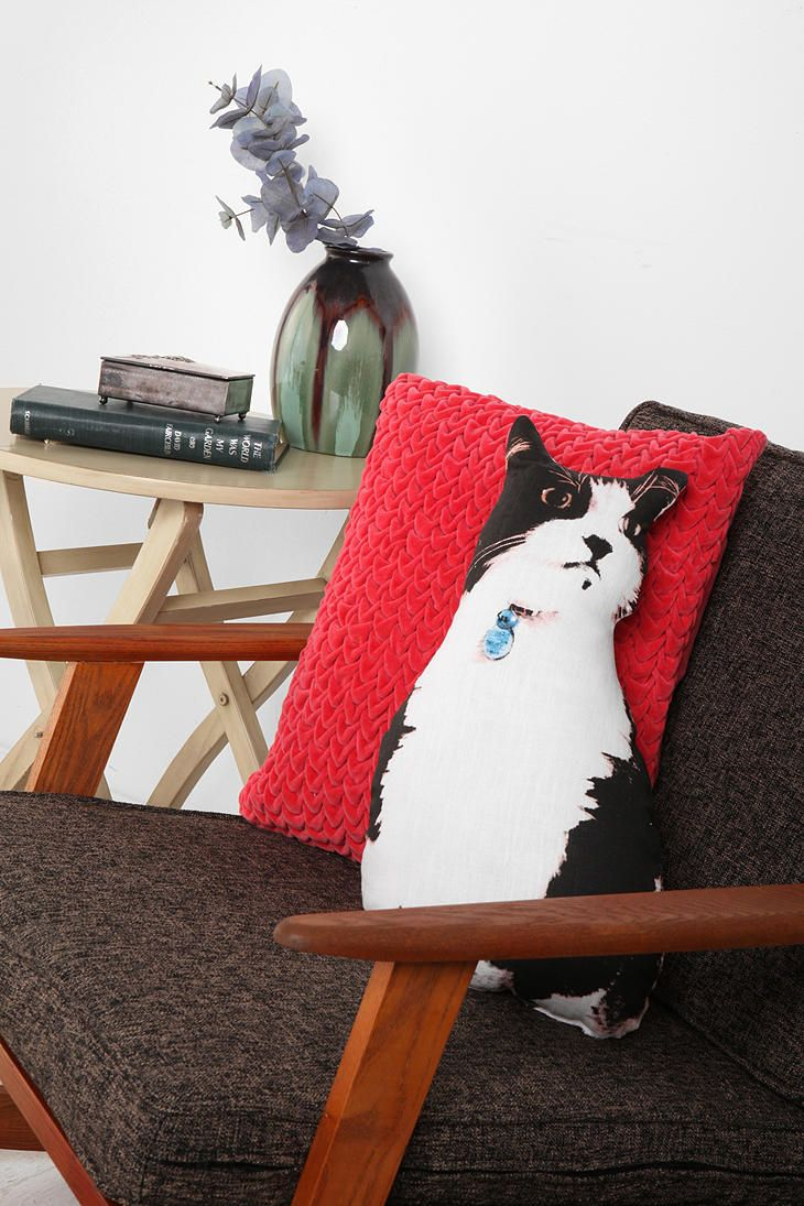 {Diego the cat pillow} purrfect accessory for a couch or chair! :)