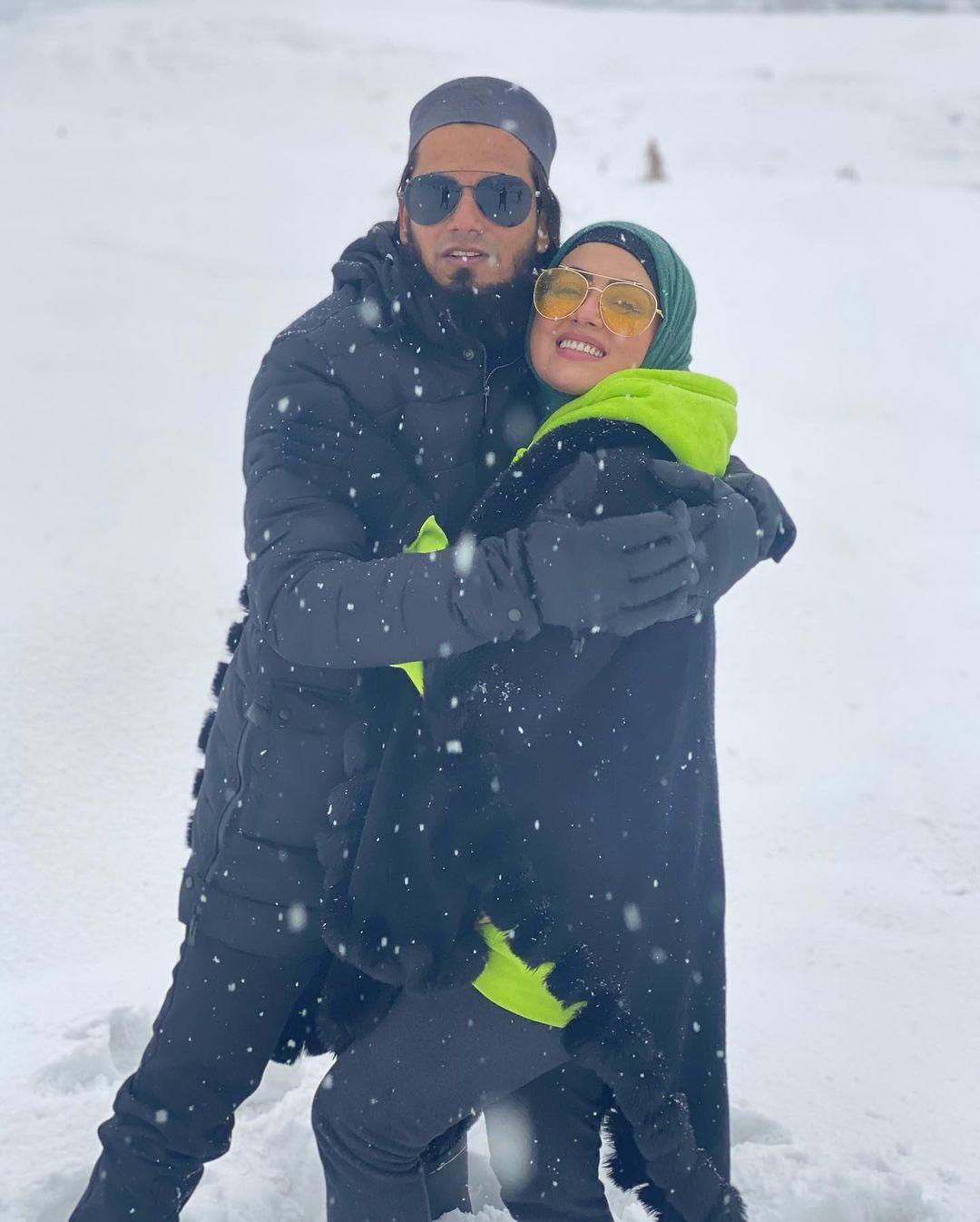 Sana Khan with her husband Anas Saiyed on Honeymoon in Kashmir