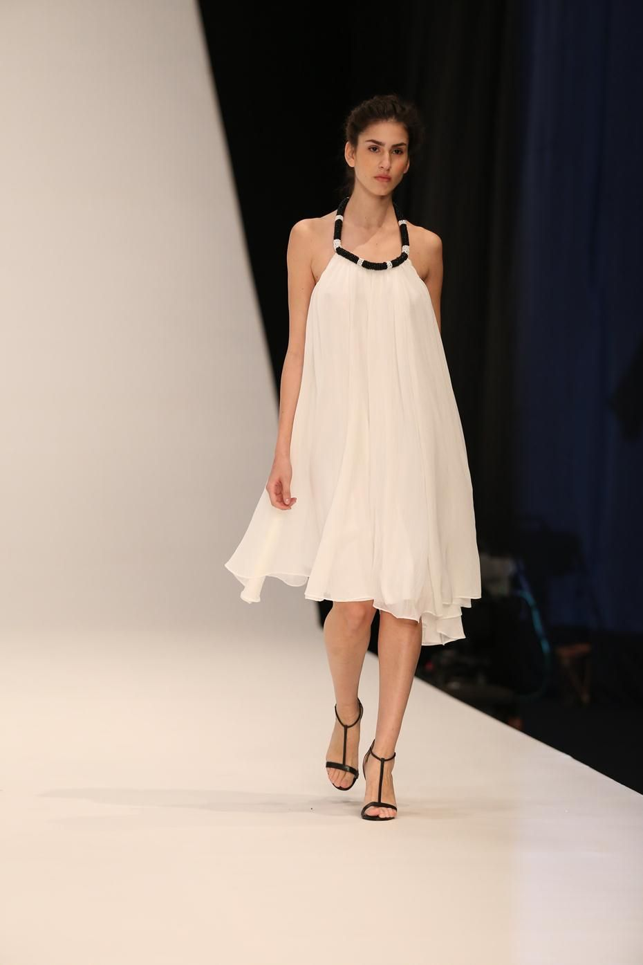 A Beaded Collar White Trapeze Dress Perfect For Those Summer Nights Out Limited Edition From The Castro Spring 20 Fashion Runway Collection Clothes For Women [ 1395 x 930 Pixel ]