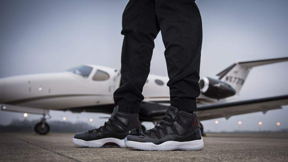 Air Jordan 11 72 10 Holiday 2015 | Air jordans, Jordans