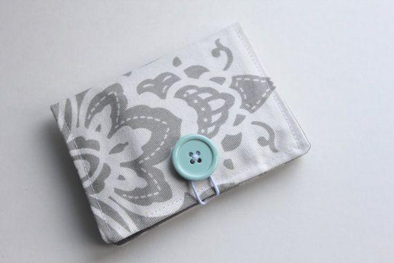 Gray & White Floral Tea Wallet by threadbykristen on Etsy