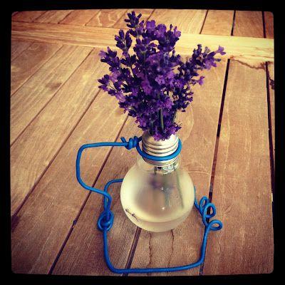 DIY Bulb Vase by Fräulein Rohmilch