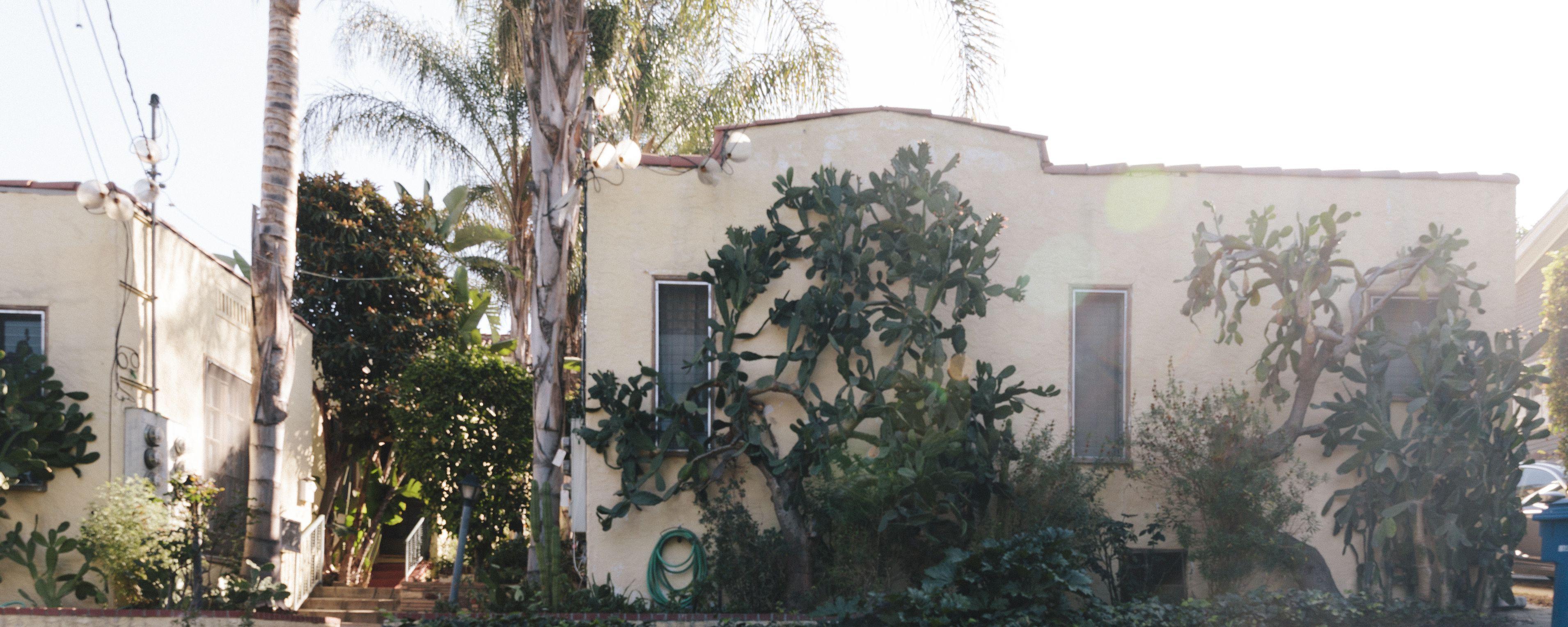 L A Places Bungalow Heaven: Why LA's Beloved Bungalow Courts Might Go Extinct (With