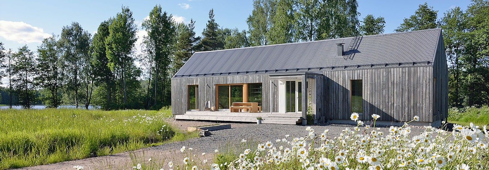 Good Contemporary Finnish Lake House Is Built With Seven Types Of Timber