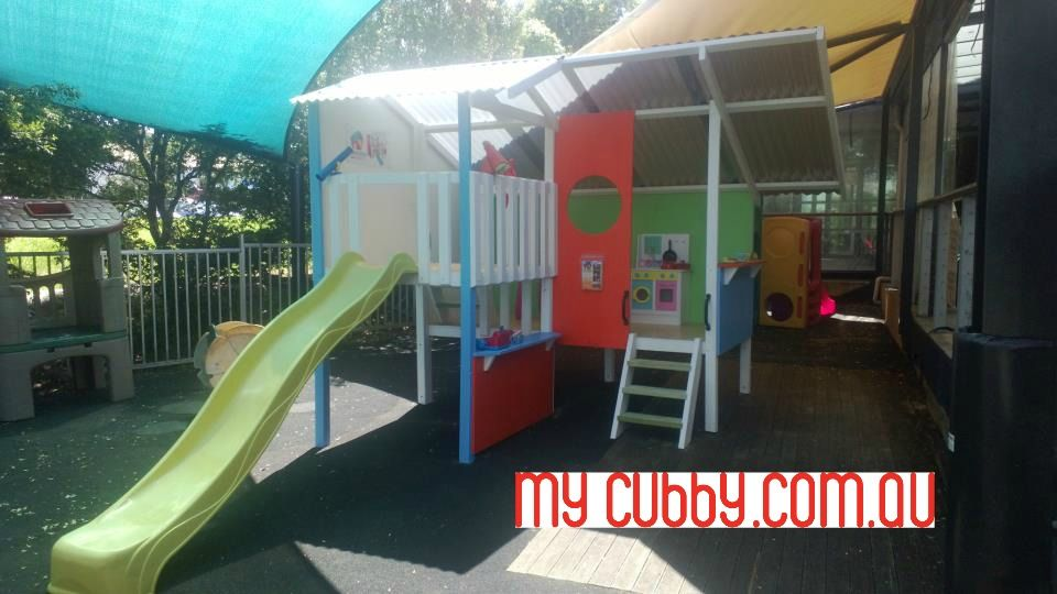Our #Sydney display Triplex is in the children's play area at Cafe Piemonte in the Flower Market. Bring your kids along and have a play! #cubbyhouse #cubbies #fort #childsplay #climbing #socialskills #imagination #happykids #healthykids #Christmas2016 #ChristmasPresent #Christmas #ChristmasIdeas #DisplayCubby #Comeandtry