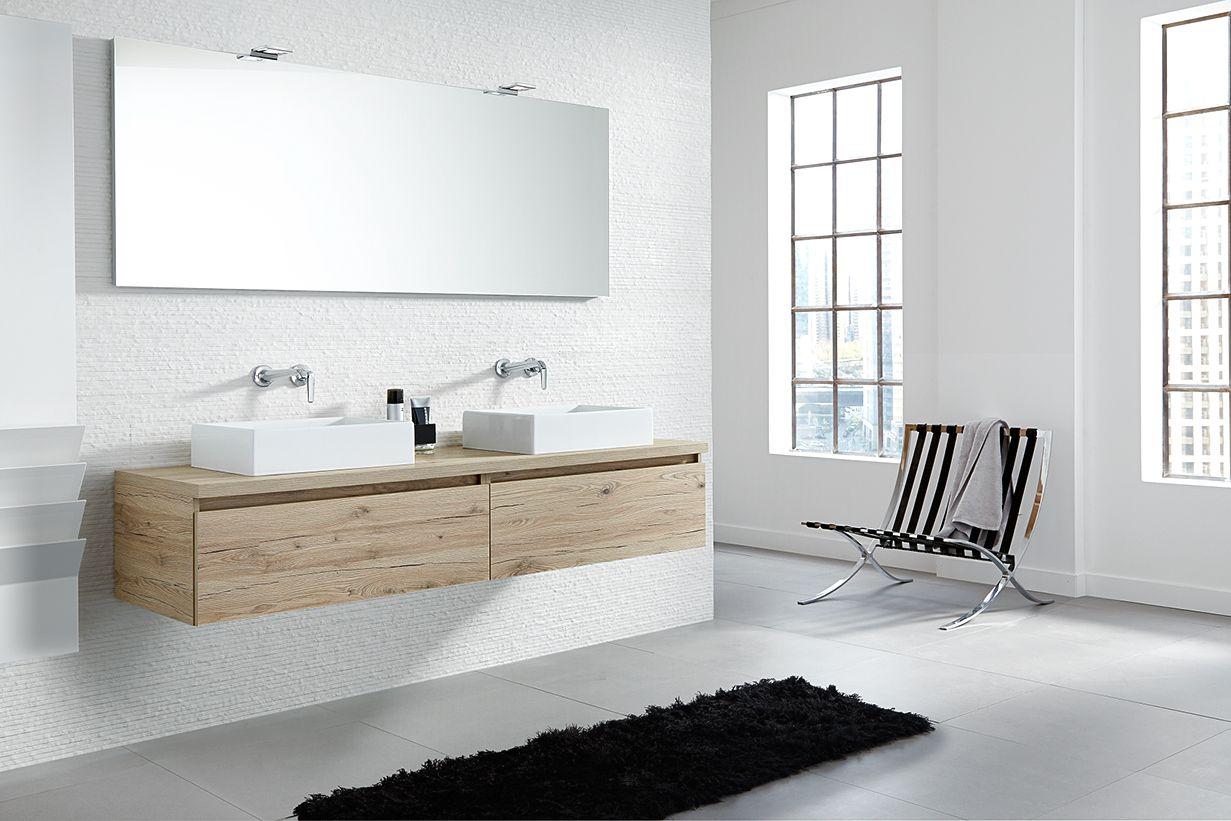 Greeploos badkamermeubel van hout met opzet wastafel exclusive
