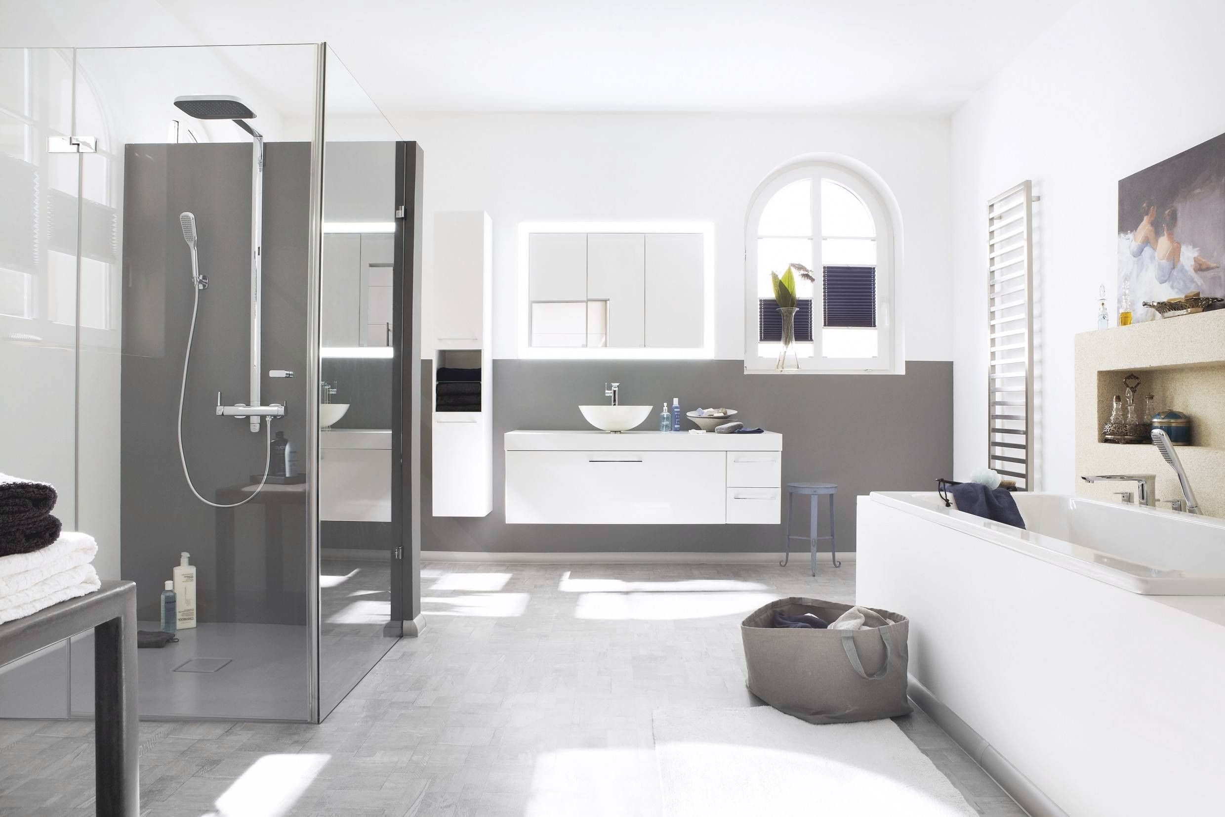 Neues Badezimmer Kosten 6 Qm Bad Renovieren Kosten | Narrow Bathroom Designs, Small Bathroom, Bathroom Design Small