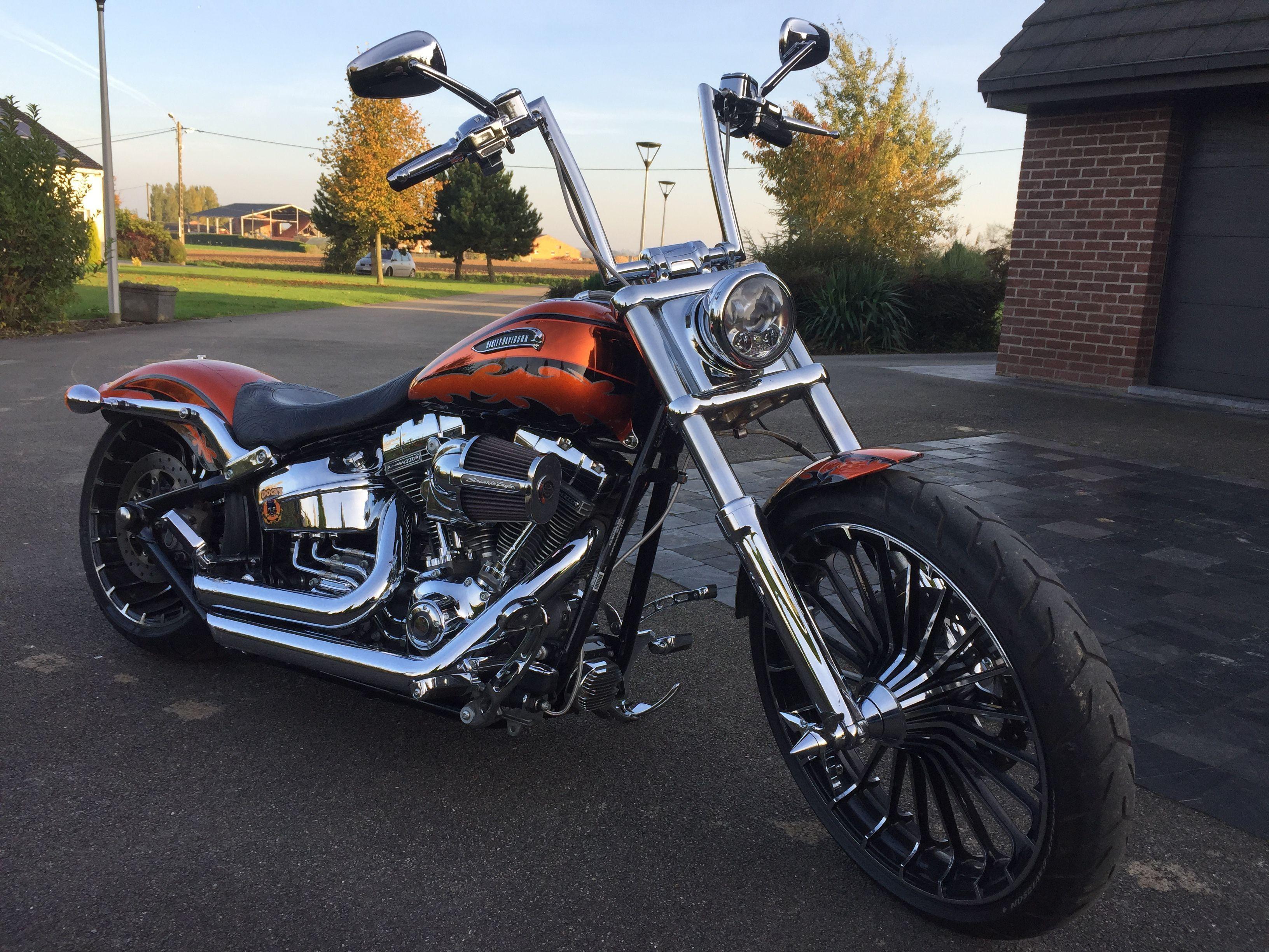 Softail Breakout Cvo Ape Hanger Harleydavidsonchoppersapehangers Harleydavidsonchopperscustombobber Harley Davidson Chopper Harley Davidson Harley