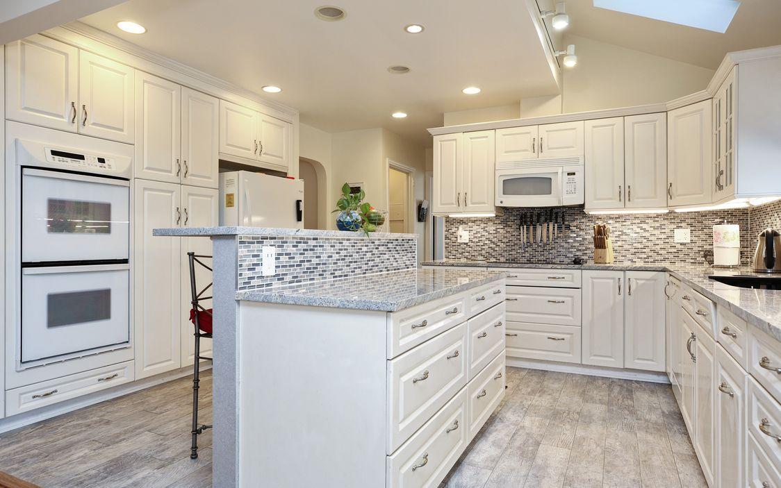 spacious eat-in kitchen | Kitchen Design | Pinterest | Ranch style ...
