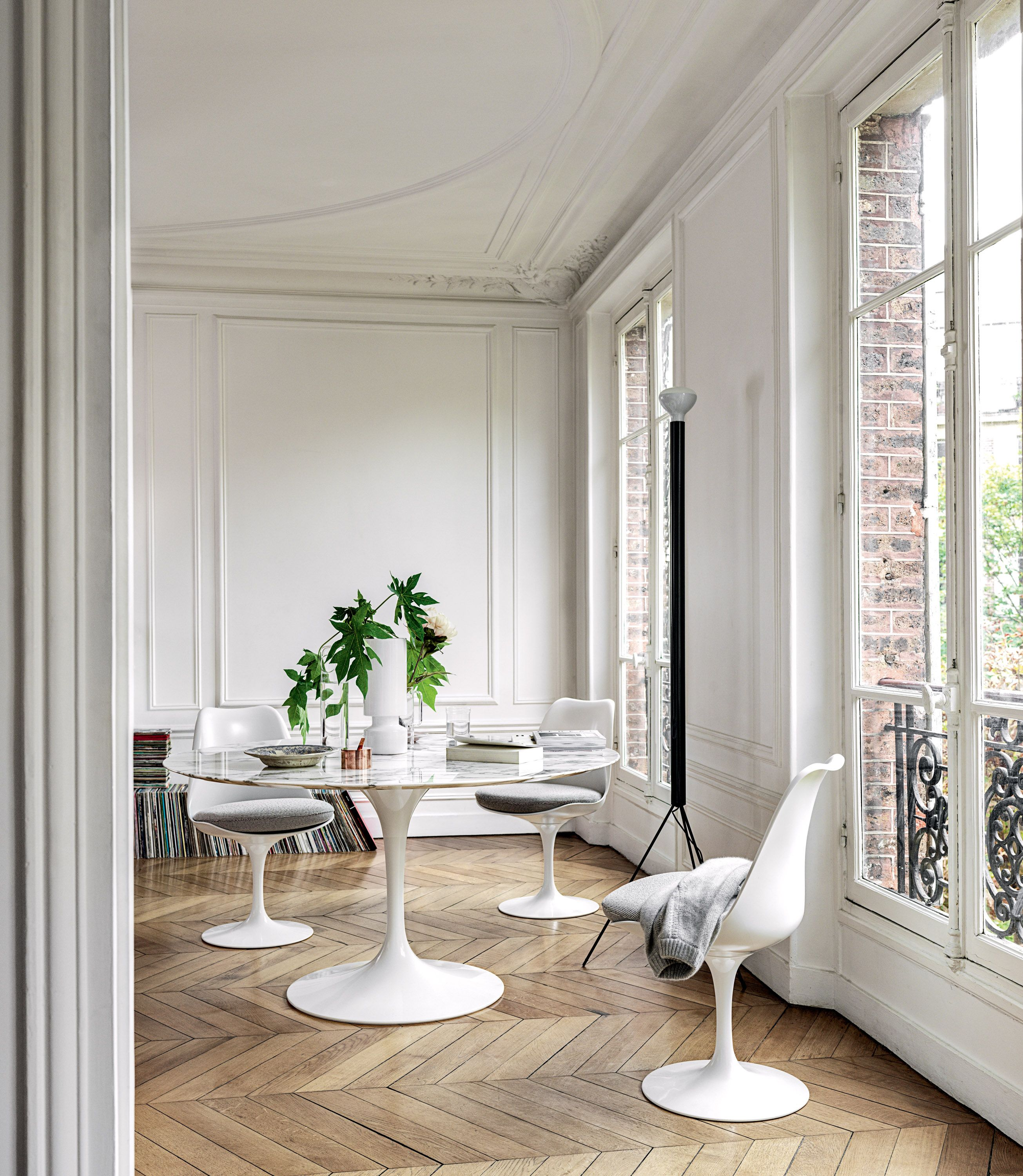 Saarinen Dining Table 47 Round In 2020 Knoll Dining Tables