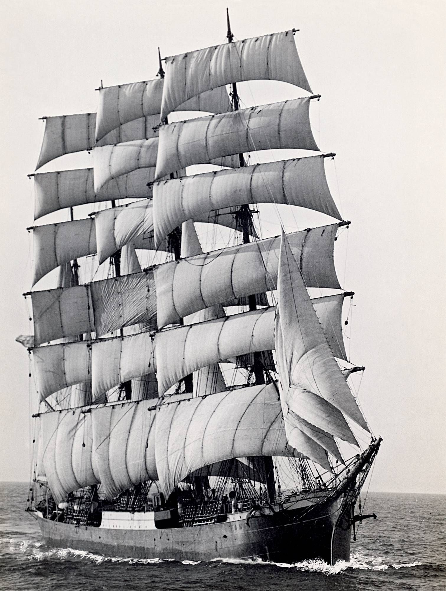 The last mercial sailing ship to round Cape Horn in 1949