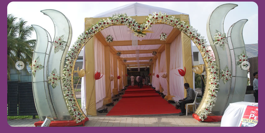 Indian wedding hall entrance decorations for Hall decoration images
