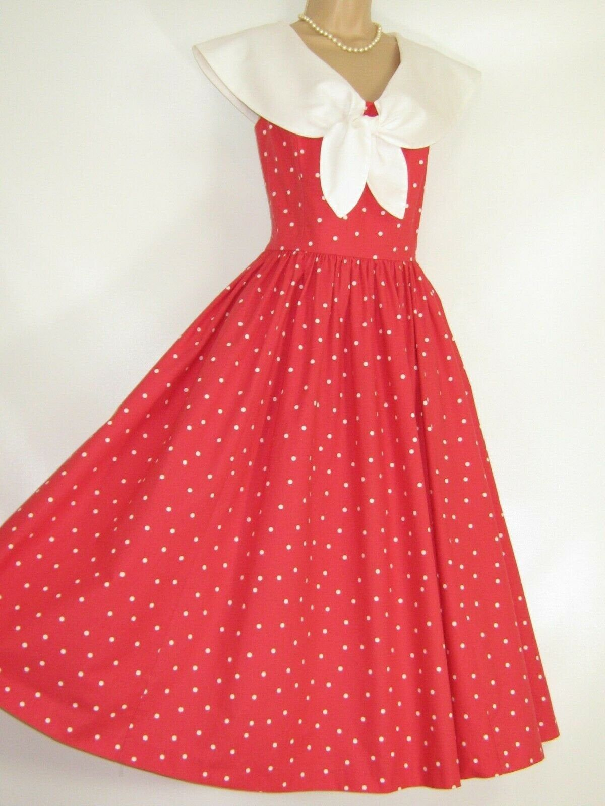 Pin On Summer Dresses Skirts Trousers Vintagelauraashley [ 1600 x 1200 Pixel ]