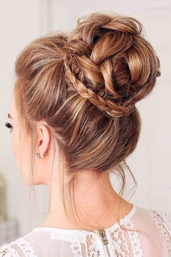 30 Brötchen Frisuren für Frauen, um wunderschön aussehen - Beste Frisuren Haarschnitte