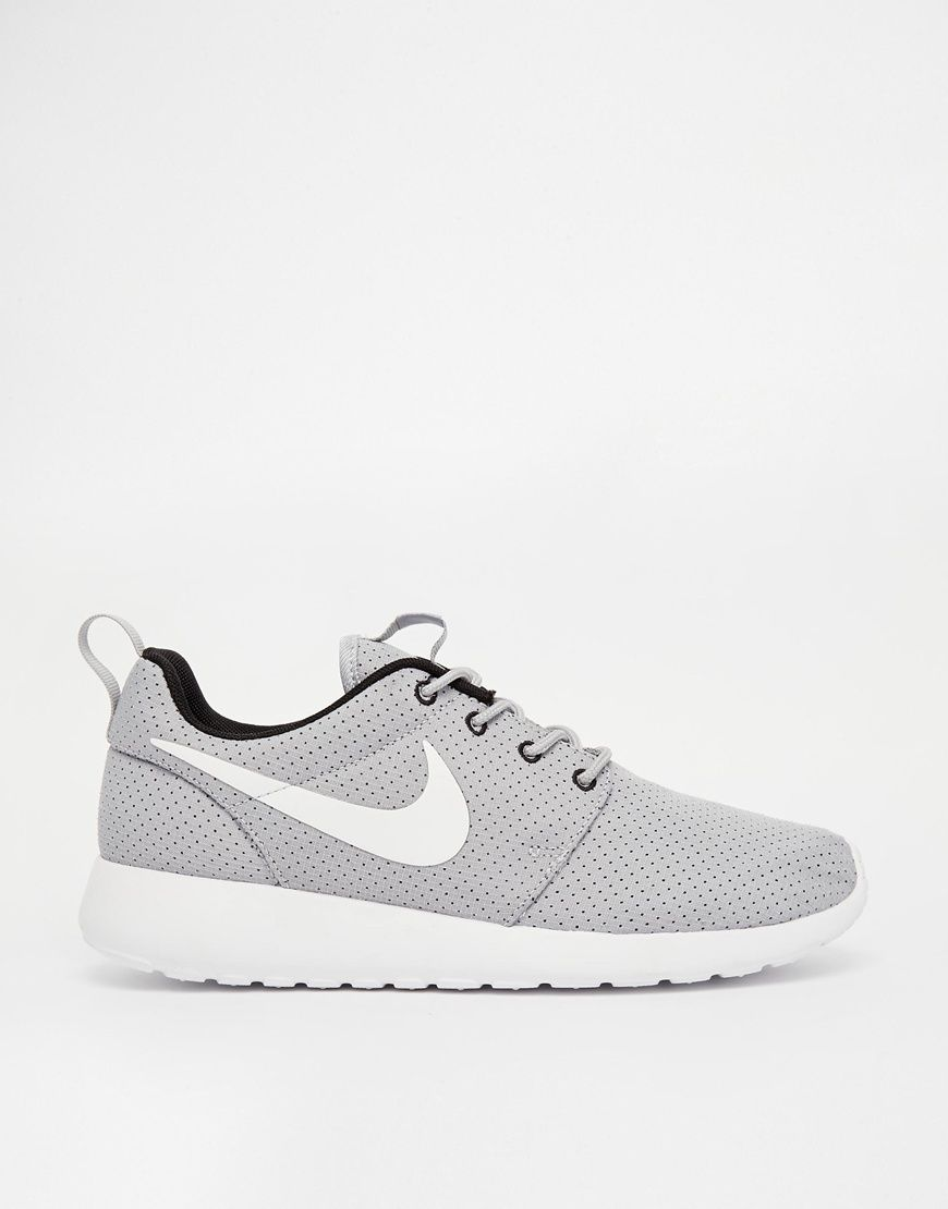 Shoes Online on | Do it like nike</p>                     </div>   <!--bof Product URL --> <!--eof Product URL --> <!--bof Quantity Discounts table --> <!--eof Quantity Discounts table --> </div>                        </dd> <dt class=