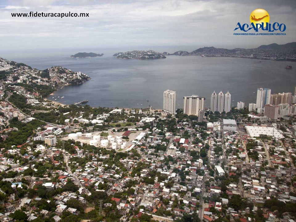 https://flic.kr/p/PXQ8cj   Cambia el sentido de la avenida Wilfrido Massieu en Acapulco. INFO ACAPULCO 1   #infoacapulco Cambia el sentido de la avenida Wilfrido Massieu en Acapulco. INFO ACAPULCO. De acuerdo con un estudio de vialidad realizado en el puerto para permitir un mejor flujo vehicular, se hizo hace unos días el cambio de circulación de la calle Wilfrido Massieu, la cual tendrá un único sentido que irá de la avenida Costera Miguel Alemán a Cuauhtémoc. Visita la página oficial de…