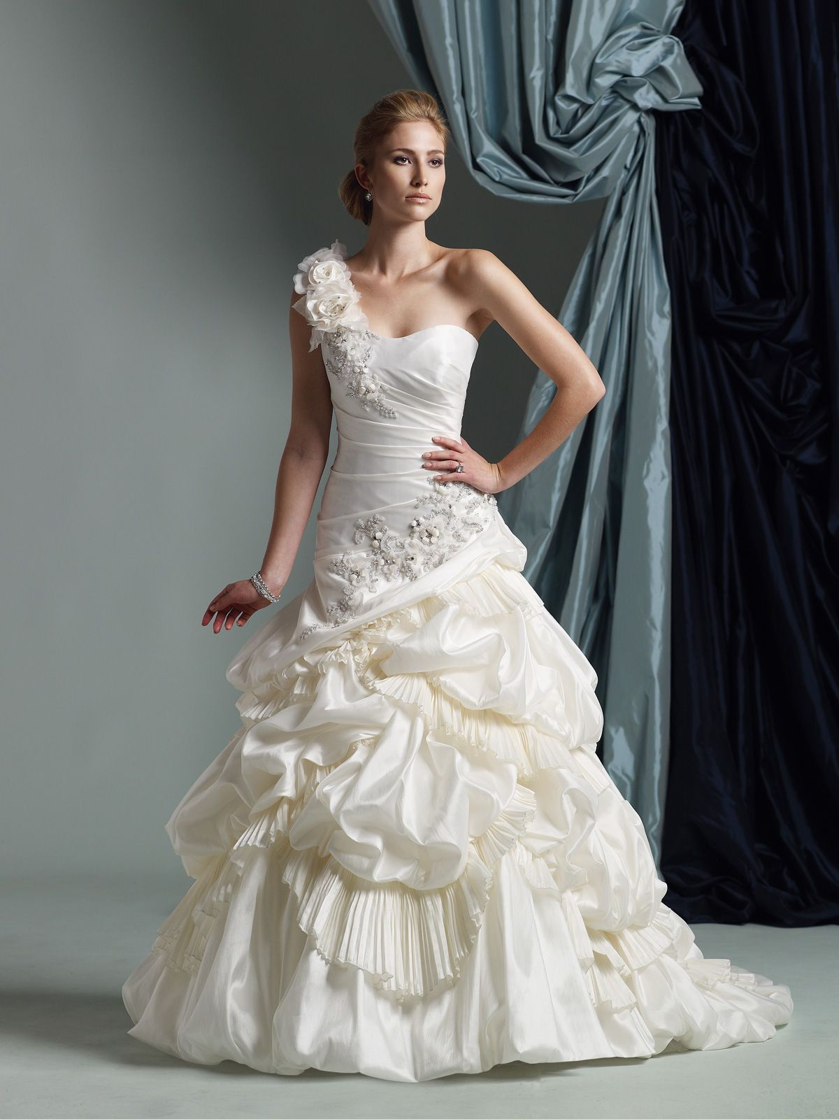 Wedding Dresses Spring 2019 With Images Wedding Dresses With