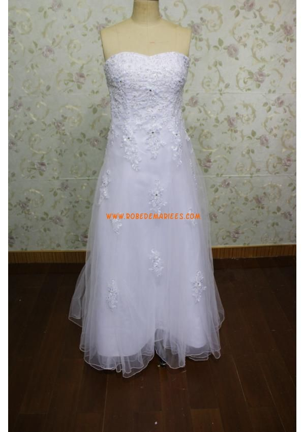Robe de mariée simple tulle applique dentelle perlé